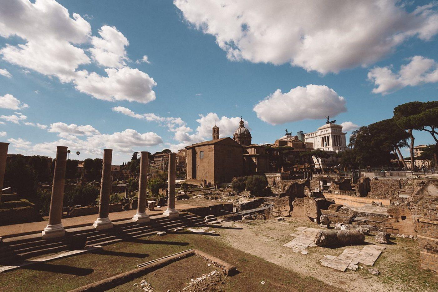 Rome coosseum gardens