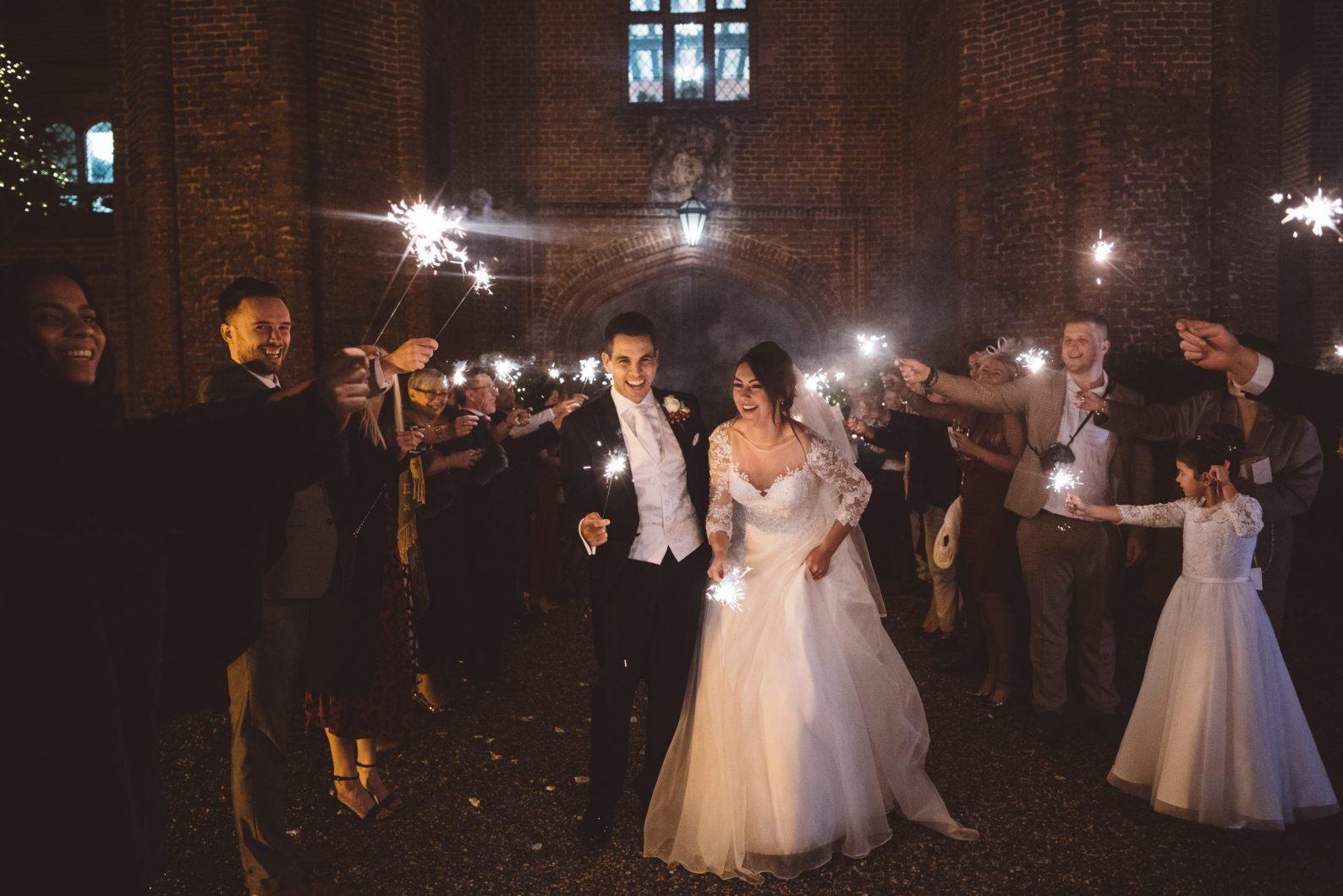 Wedding photographer Leez Priory