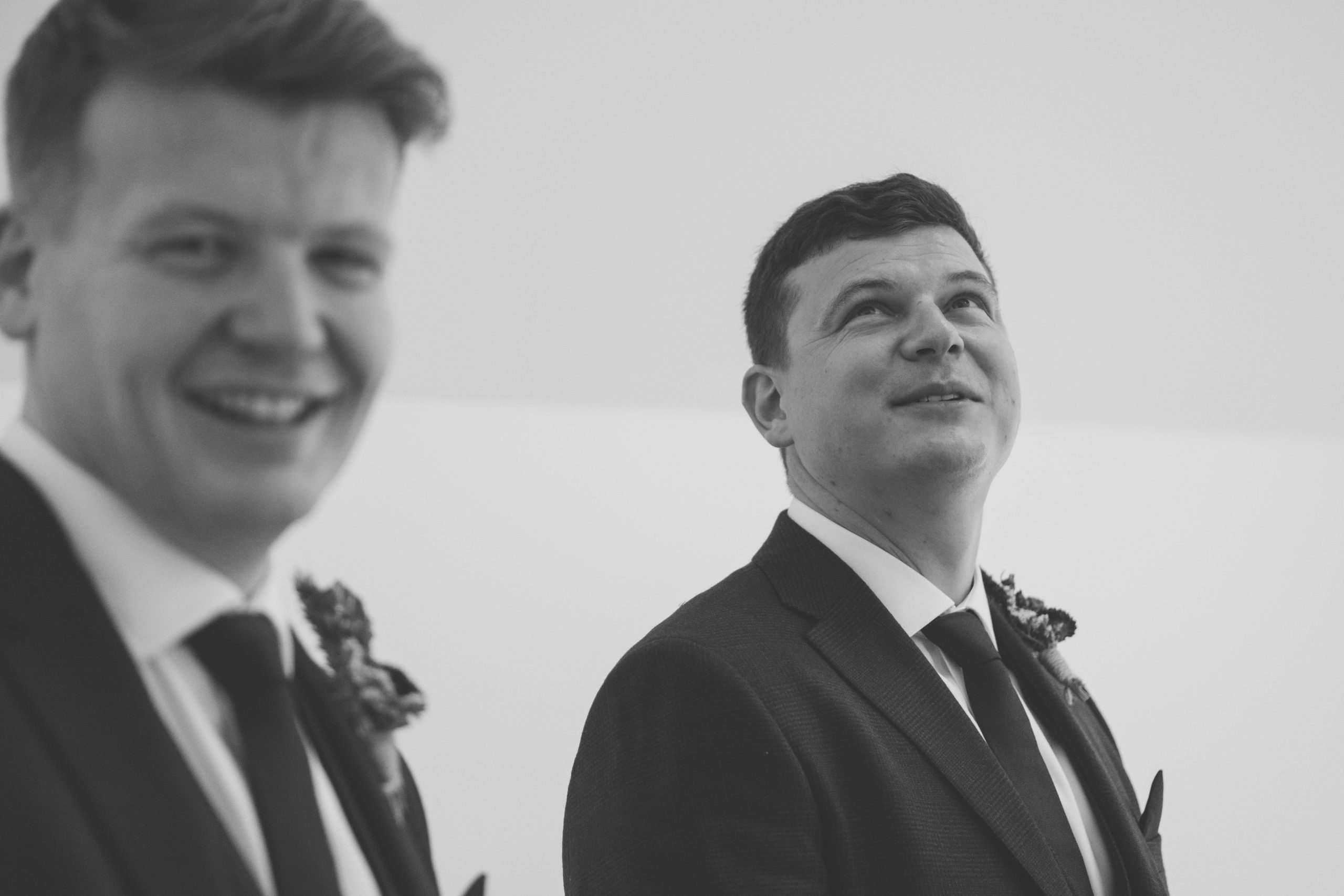 groom and best man at the warren estate
